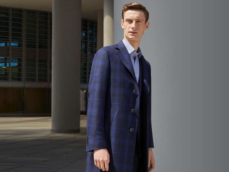 How to dress for Fall warm days: the blue cashmere coat | Canali