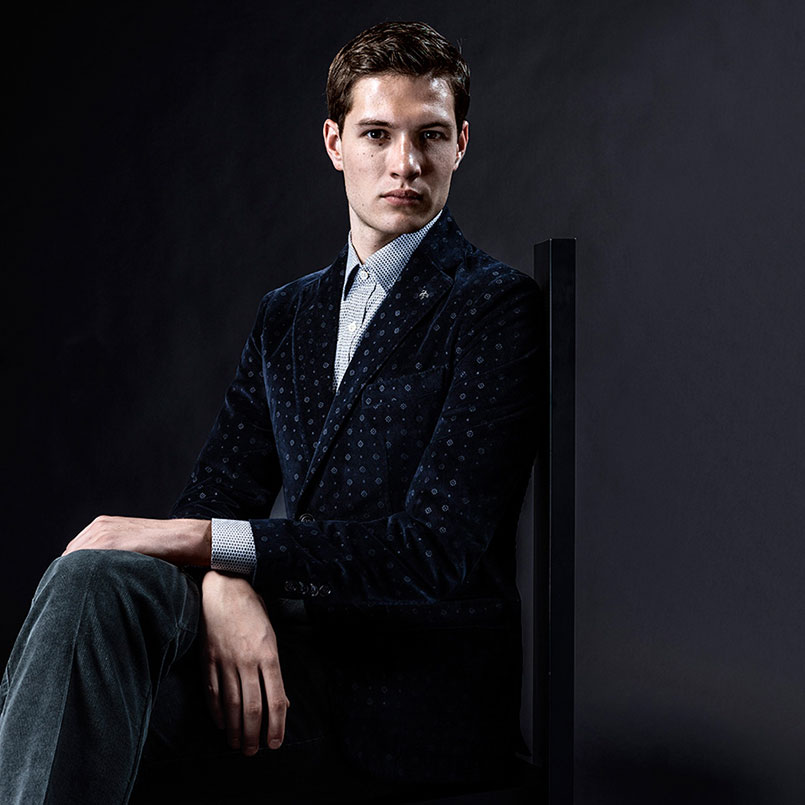 Printed suits for men in the new collection | Canali