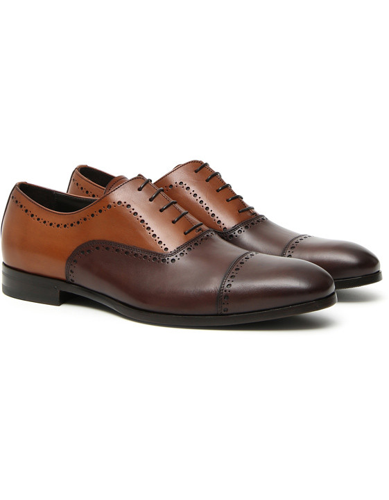 Brown two-tone leather Oxford shoes with brogueing