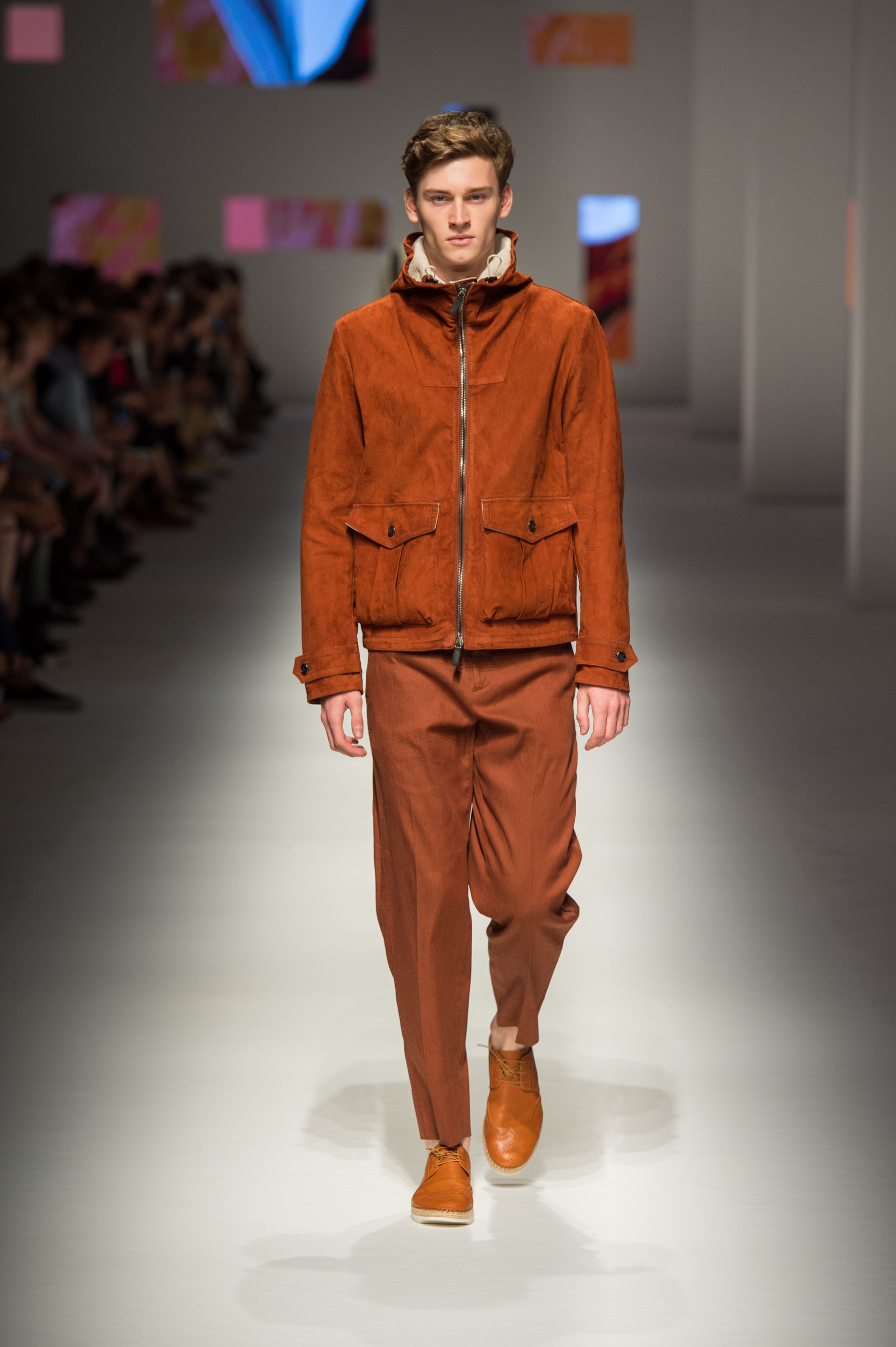 Unlined jacket with fixed hood in nubuck and linen, pants with removable belt, double-layer shirt, calfskin espadrilles