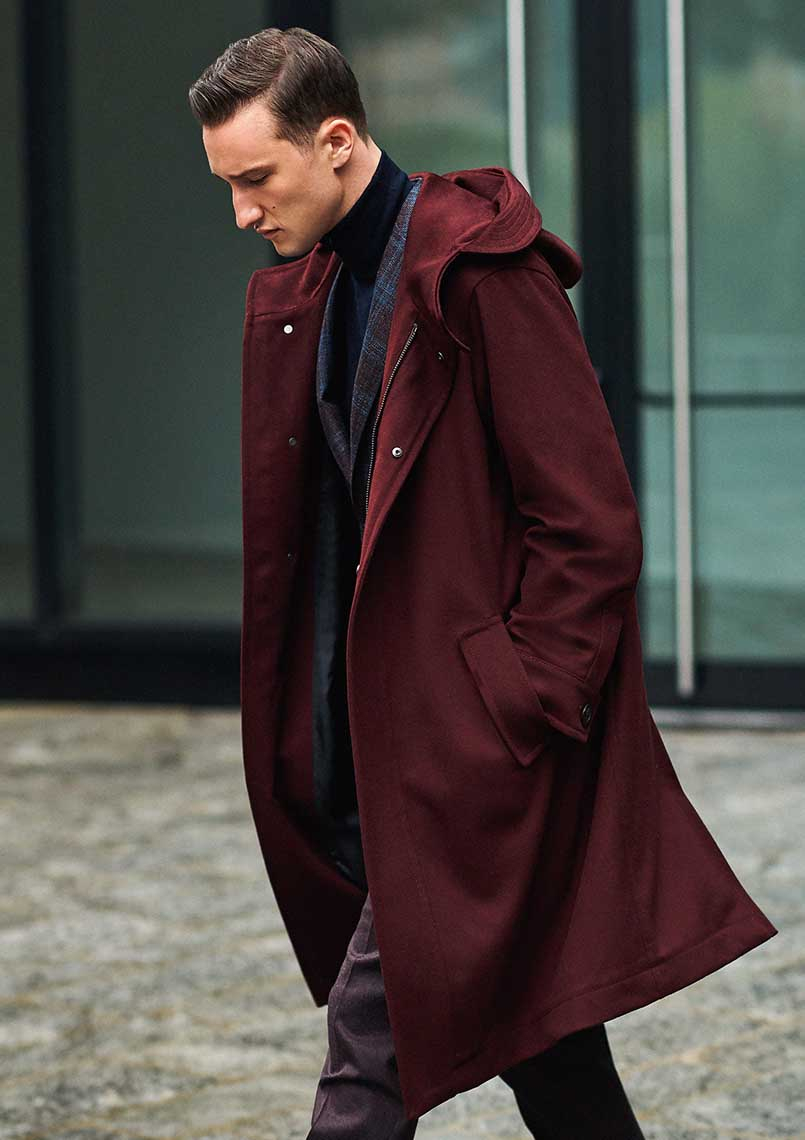 STRIKING OUTERWEAR