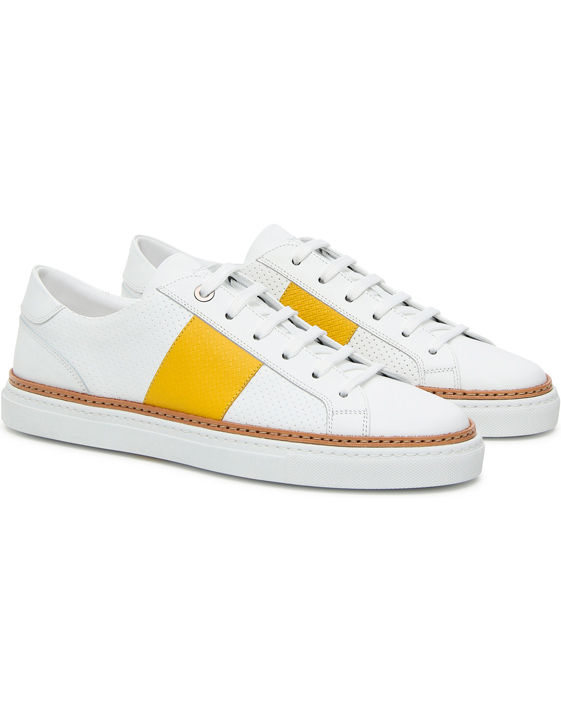 WHITE LEATHER LOW-TOP SNEAKERS WITH YELLOW STRIPE